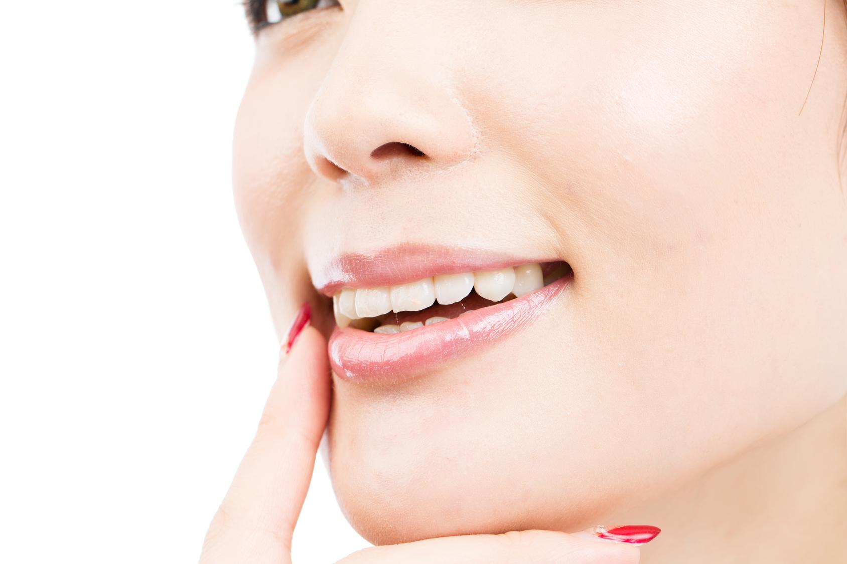 【タイプ別】インプラント被せ物を選ぶポイントまとめ(前歯・奥歯)