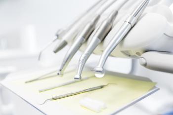歯医者さんで行うインプラントのメンテナンス